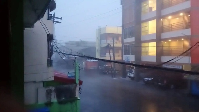 Philippines: Làng mạc chìm trong siêu bão mạnh nhất trong năm 2020 - Ảnh 1.