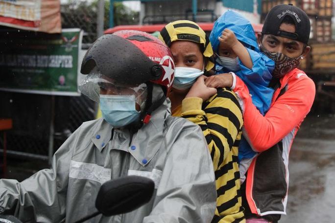 Philippines: Siêu bão Goni đổ bộ lần 3, tàn phá trên diện rộng - Ảnh 2.