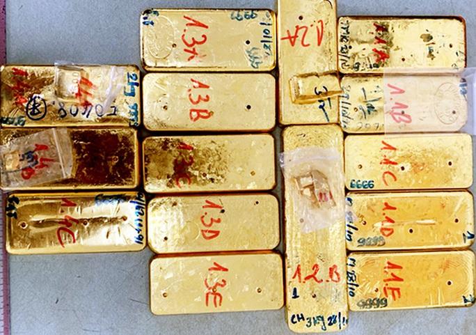 Triệt phá vụ vận chuyển 51kg vàng 9999 qua biên giới - Ảnh 2.