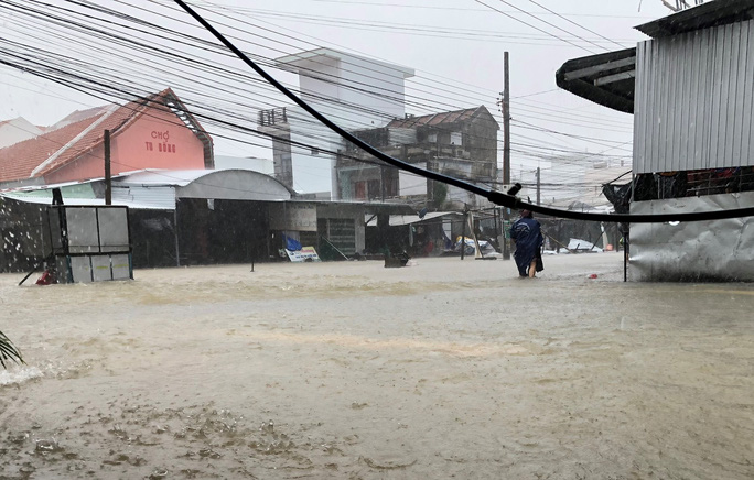Khánh Hòa: Thiệt hại ban đầu do bão số 12 - Ảnh 3.