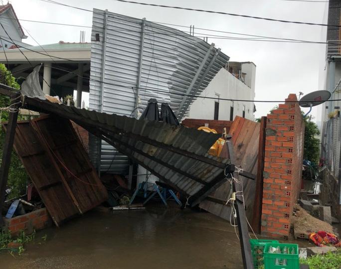 Khánh Hòa: Thiệt hại ban đầu do bão số 12 - Ảnh 9.
