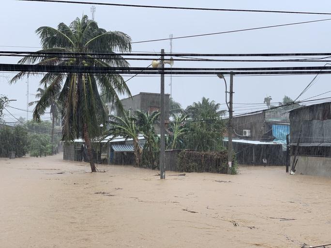 Khánh Hòa: Thiệt hại ban đầu do bão số 12 - Ảnh 8.