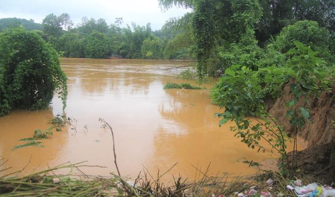 Lâm Đồng: Báo động khẩn nguy cơ sạt lở, ngập úng, hồ đập hư hỏng đe dọa vùng hạ du - Ảnh 3.