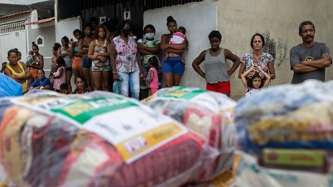 Brazil tạm dừng thử nghiệm vắc-xin Covid-19 của Trung Quốc - Ảnh 1.