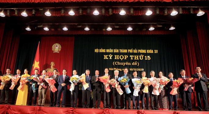 Miễn nhiệm 3 Phó chủ tịch UBND TP Hải Phòng, bầu bổ sung 2 nhân sự - Ảnh 2.