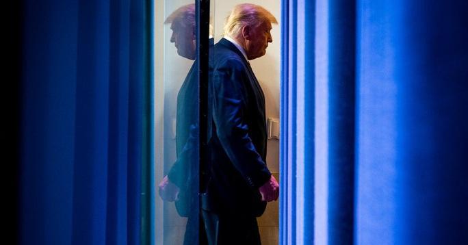 Ông Trump sử dụng vũ khí mới để chống lại kết quả bầu cử - Ảnh 1.