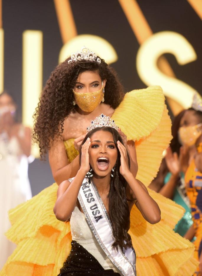 Vẻ đẹp của nữ sinh viên báo chí đăng quang Hoa hậu Mỹ - Ảnh 1.