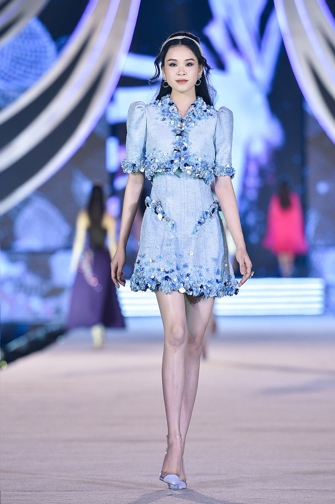 Hoa hậu Việt Nam tỏa sáng trong đêm thi Người đẹp Thời trang - Ảnh 15.