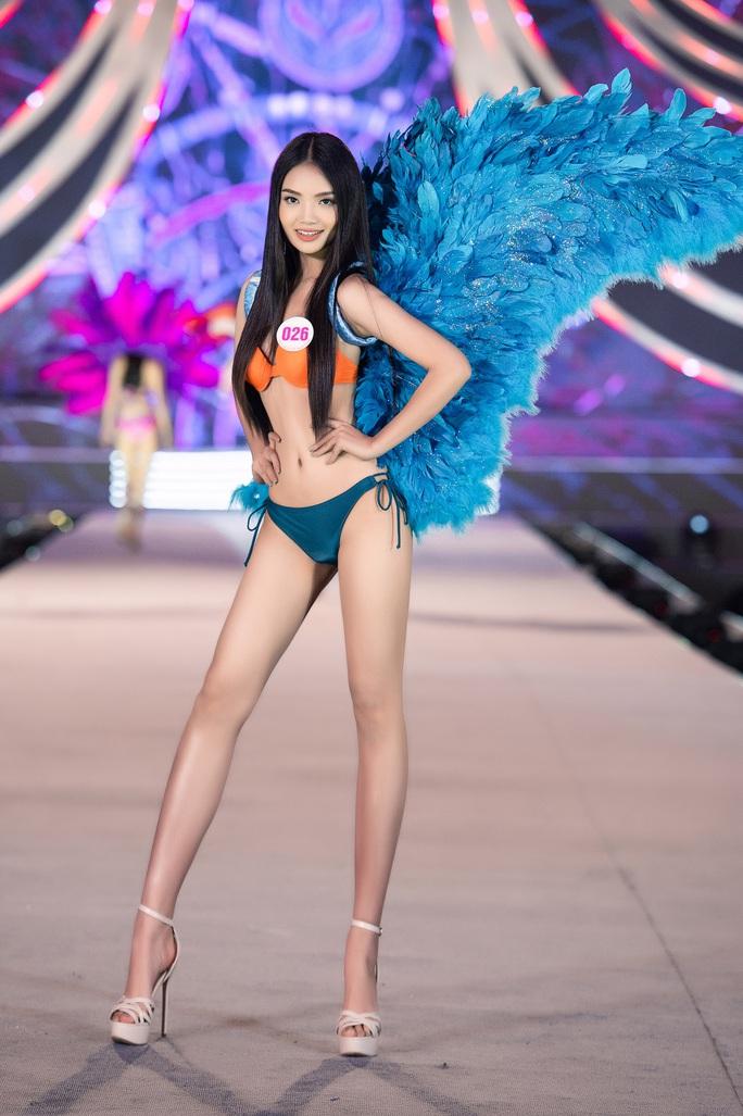 Thí sinh Hoa hậu Việt Nam 2020 hóa thiên thần nội y Victoria's Secret - Ảnh 8.