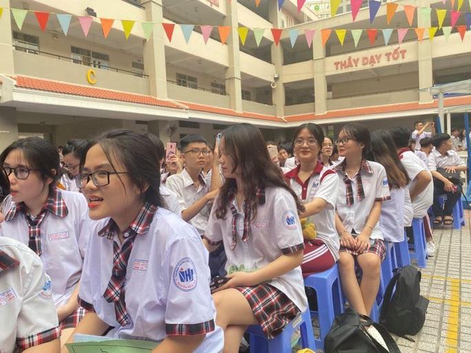 TP HCM: Học sinh hòa mình với âm nhạc dân ca - Ảnh 5.
