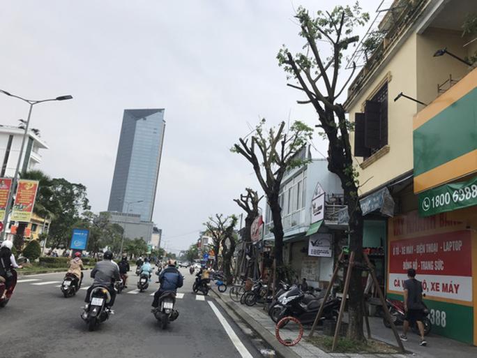 Chùm ảnh, clip: Bão số 13 đi nhanh hơn dự báo, người dân Huế tức tốc chạy bão - Ảnh 23.