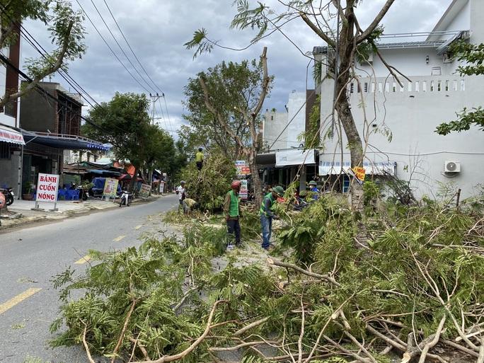 Đà Nẵng sơ tán hơn 92.000 người tránh bão số 13 - Ảnh 1.