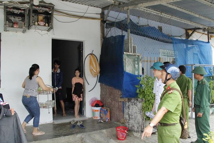 Đà Nẵng sơ tán hơn 92.000 người tránh bão số 13 - Ảnh 3.