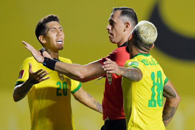 Thắng khó Venezuela sân nhà, Brazil vững ngôi đầu Nam Mỹ - Ảnh 3.