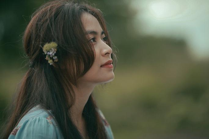 Hoàng Thùy Linh và nỗi niềm khi đóng vai cô gái mát-xa - Ảnh 1.