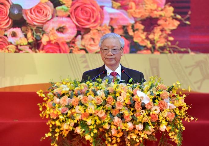 Tổng Bí thư, Chủ tịch nước Nguyễn Phú Trọng thăm trường xưa dịp kỷ niệm 70 năm thành lập - Ảnh 2.