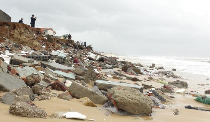 CLIP: Những thiệt hại ở Quảng Bình sau bão số 13 đi qua - Ảnh 5.