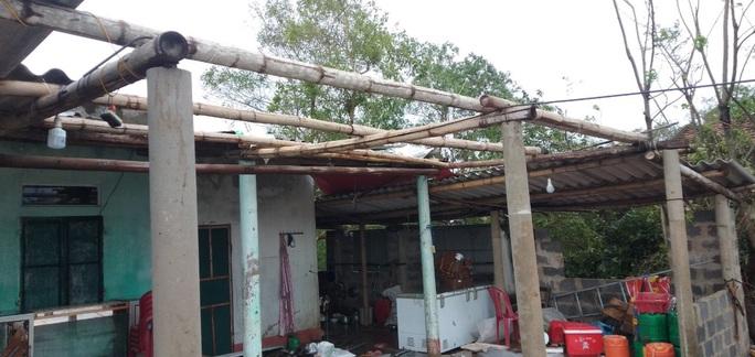CLIP: Những thiệt hại ở Quảng Bình sau bão số 13 đi qua - Ảnh 4.