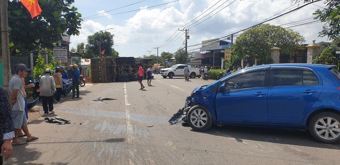Tai nạn liên hoàn giữa xế hộp, xe ben và bán tải ở Bà Rịa - Vũng Tàu - Ảnh 5.