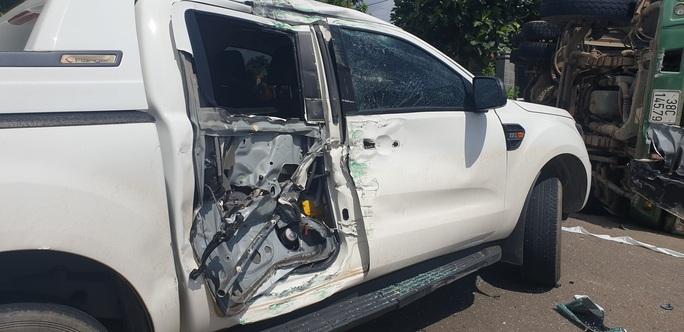 Tai nạn liên hoàn giữa xế hộp, xe ben và bán tải ở Bà Rịa - Vũng Tàu - Ảnh 3.