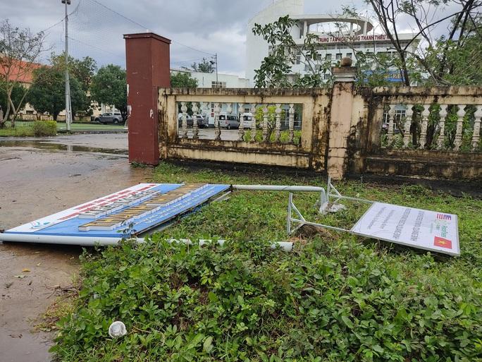 CLIP: Những thiệt hại ở Quảng Bình sau bão số 13 đi qua - Ảnh 7.