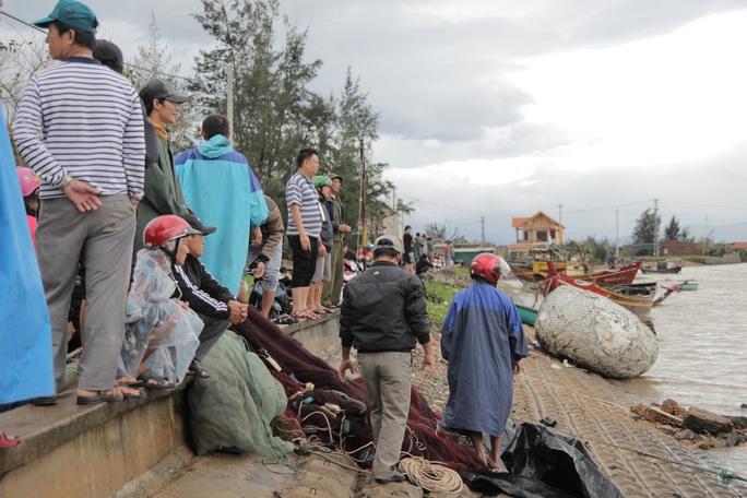 CLIP: Những thiệt hại ở Quảng Bình sau bão số 13 đi qua - Ảnh 13.