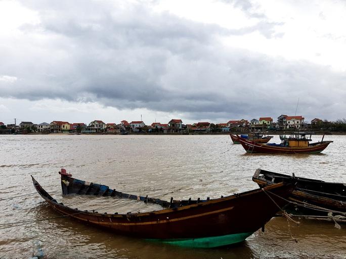 CLIP: Những thiệt hại ở Quảng Bình sau bão số 13 đi qua - Ảnh 11.