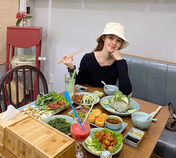 Hoa hậu người Việt tại Úc Jolie Nguyễn tái xuất sau 4 tháng ở ẩn - Ảnh 1.