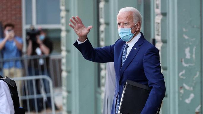 Hau bau cu My: Phia ong Biden ra toi hau thu ve chuyen giao quyen luc