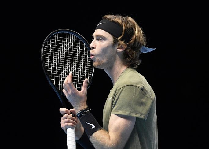 Rafael Nadal thắng dễ trận ra quân ATP Finals 2020 - Ảnh 3.