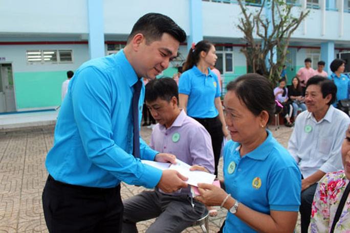 Sôi nổi hoạt động mừng ngày Nhà giáo Việt Nam - Ảnh 1.