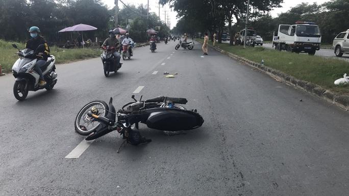 Bất ngờ lời khai kẻ tông trung tá cảnh sát giao thông ở TP HCM bất tỉnh - Ảnh 2.
