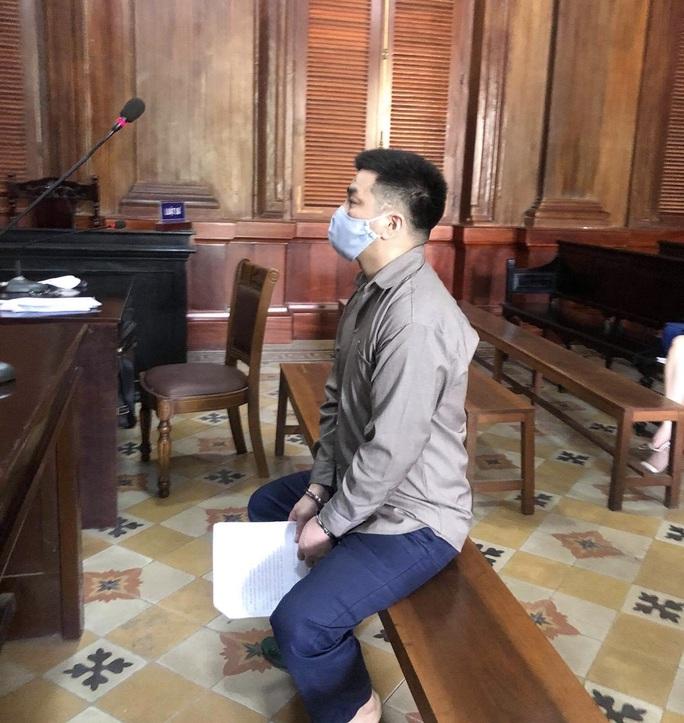 Băng nhóm tội phạm người nước ngoài làm liều ở TP HCM - Ảnh 1.