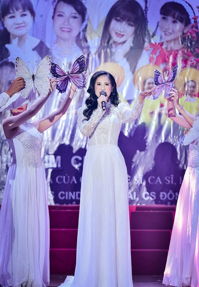 Đêm nhạc 'Thương lắm Miền Trung' của Trịnh Kim Chi giúp bà con vùng lũ gần 800 triệu đồng - Ảnh 2.