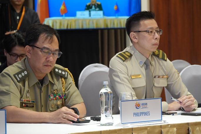 Thượng tướng Nguyễn Chí Vịnh chủ trì hội nghị Quan chức quốc phòng cấp cao ASEAN - Ảnh 5.