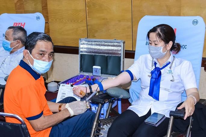 """Ấm áp chương trình hiến máu tình nguyện """"Trái tim nhân ái""""  - Ảnh 3."""