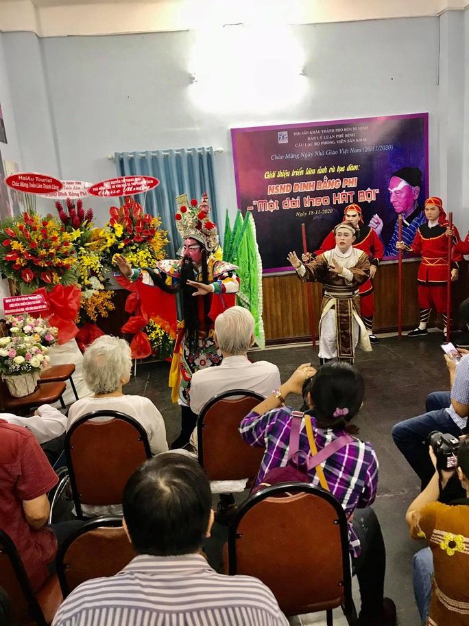 Nghệ sĩ tề tựu vinh danh NSND Đinh Bằng Phi - Ảnh 9.