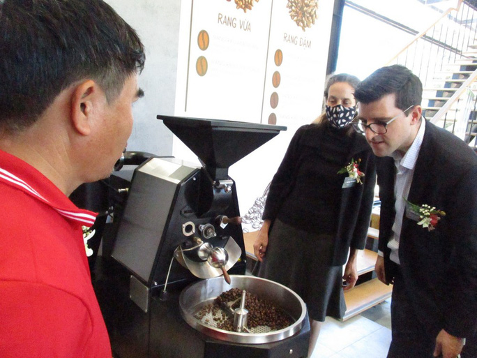 Nhà thu mua cà phê lớn nhất Việt Nam mở khu trải nghiệm cà phê ở Tây Nguyên - Ảnh 4.