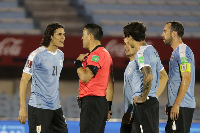 Cavani lãnh thẻ đỏ, Uruguay thua thảm Brazil  - Ảnh 4.