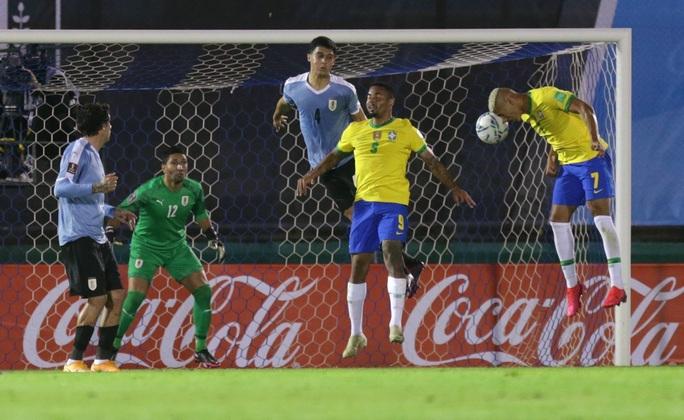 Cavani lãnh thẻ đỏ, Uruguay thua thảm Brazil  - Ảnh 3.