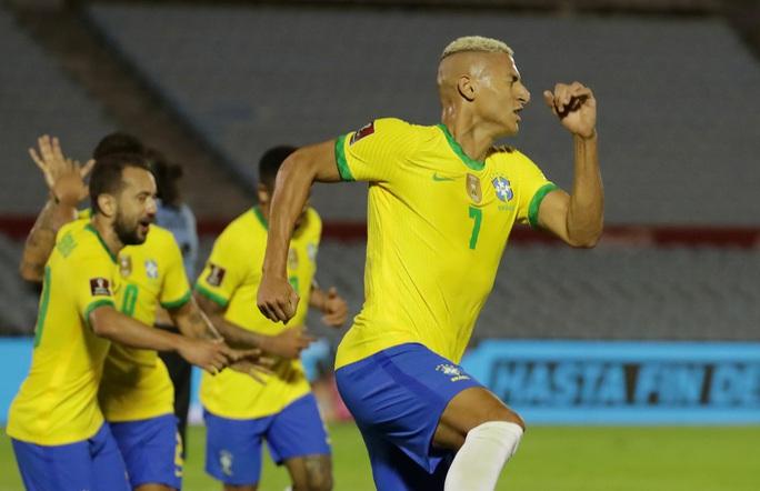 Cavani lãnh thẻ đỏ, Uruguay thua thảm Brazil  - Ảnh 5.