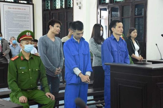 Vợ nguyên chủ tịch phường thuê côn đồ hành hung cán bộ tư pháp lĩnh án - Ảnh 2.