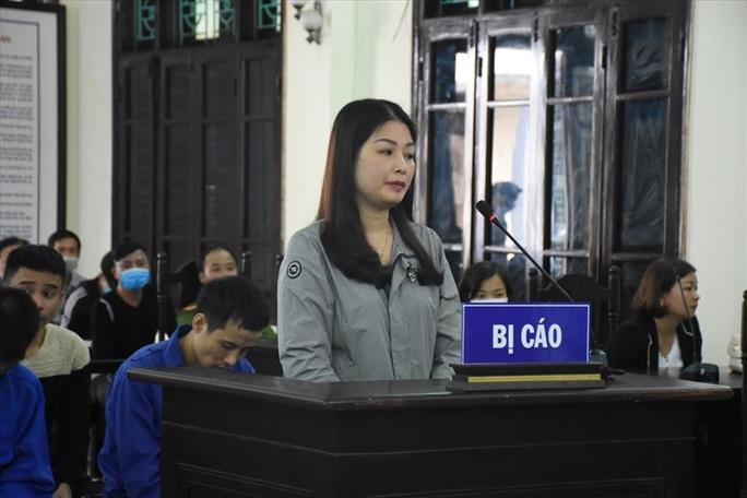 Vợ nguyên chủ tịch phường thuê côn đồ hành hung cán bộ tư pháp lĩnh án - Ảnh 1.