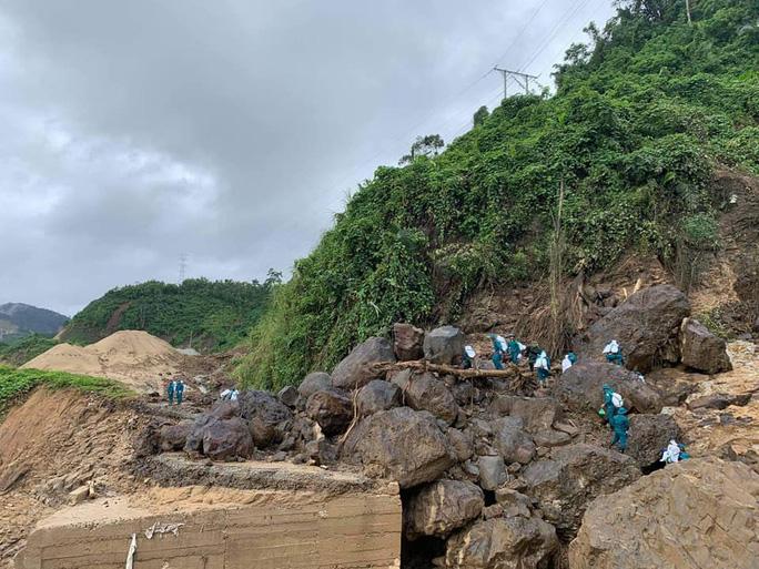 Sạt lở núi ở Phước Sơn: Tìm thấy 9 thi thể - Ảnh 1.
