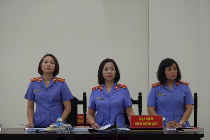 Hai nguyên phó tổng giám đốc BIDV chia nhau 14 năm 6 tháng tù - Ảnh 2.