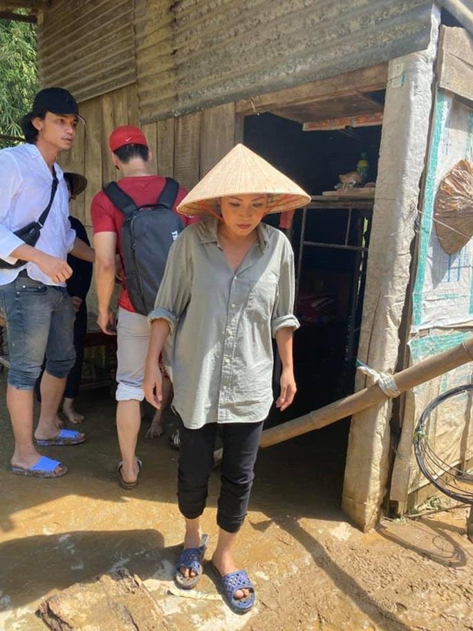 Ca sĩ Phương Thanh vẫn giữ bài viết về từ thiện dù Sở TT-TT TP HCM mời làm việc - Ảnh 1.