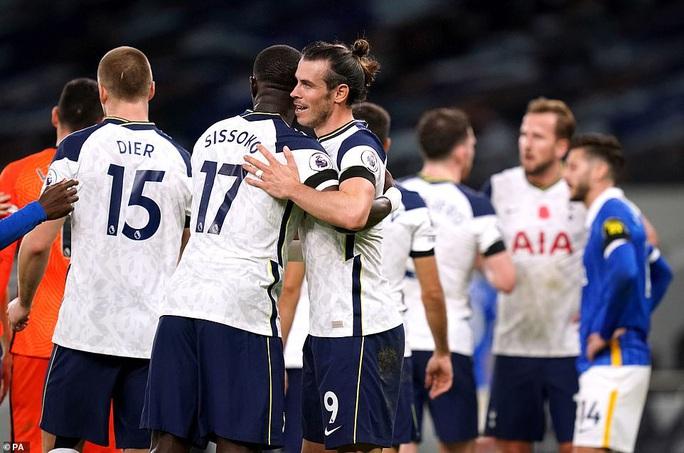Siêu dự bị Gareth Bale tỏa sáng, Tottenham lên ngôi nhì Ngoại hạng - Ảnh 2.