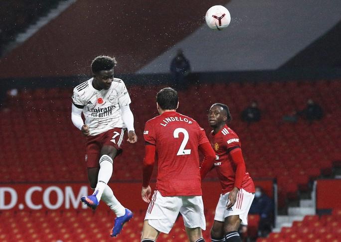 Paul Pogba tạo phạt đền, Man United gục ngã trước Arsenal  - Ảnh 2.