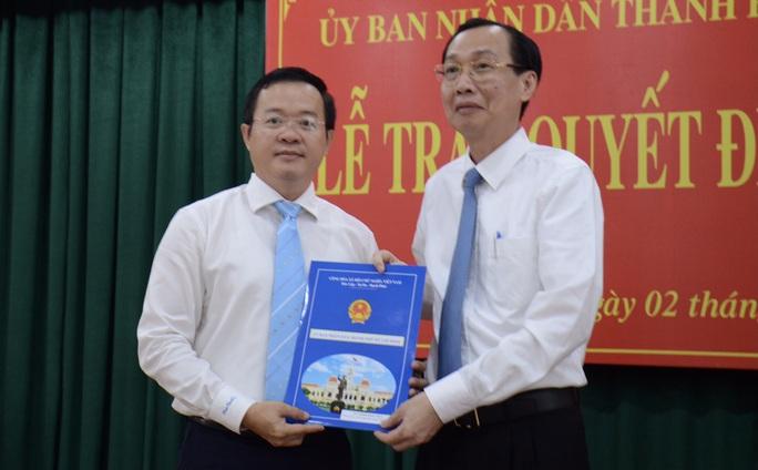 UBND TP HCM trao quyết định nhân sự chủ chốt quận Bình Thạnh - Ảnh 1.