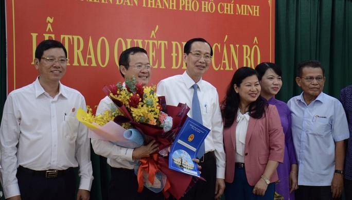 UBND TP HCM trao quyết định nhân sự chủ chốt quận Bình Thạnh - Ảnh 2.